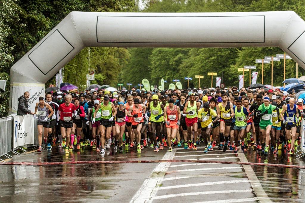 Teilnehmer der Kategorie Elite am Zurich Marathon 2016 beim Start und auf der Laufstrecke